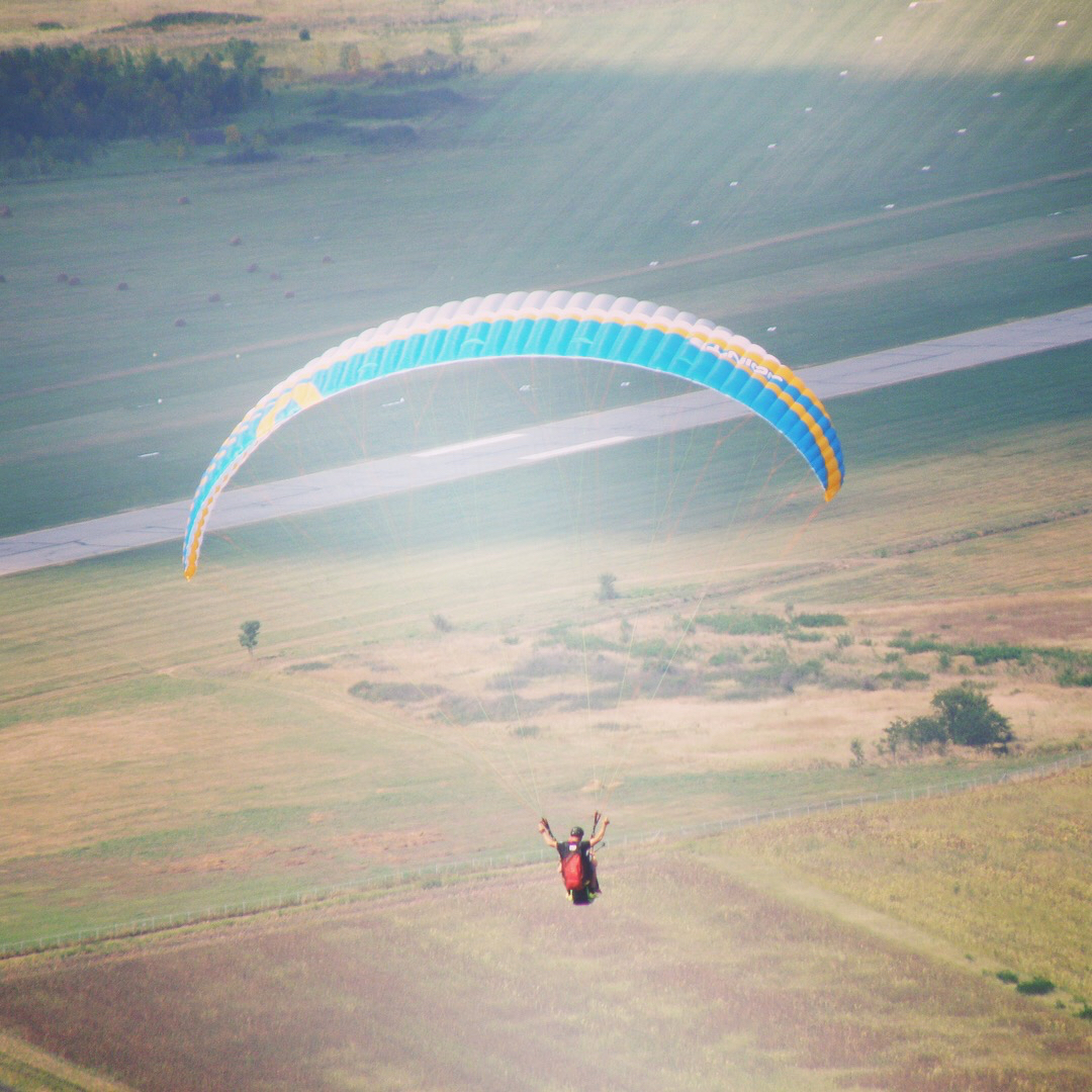 Out of comfort zone paragliding
