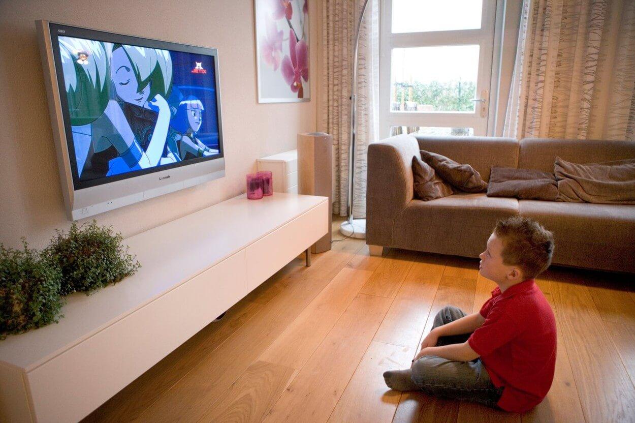 Deca koja predugo gledaju televiziju kasnije progovore