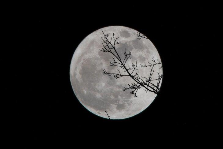 nasa voda na mesecu